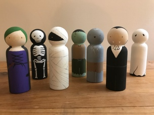 Halloween Peg Dolls: Witch, Skeleton, Mummy, Frankenstien, Werewolf, Vampire, Ghost